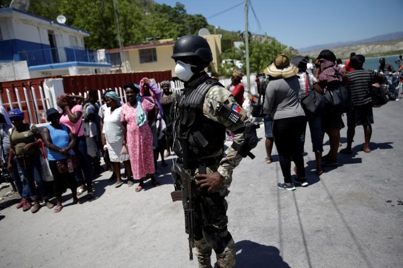 Photo of Haití revela sus dos primeros casos de coronavirus
