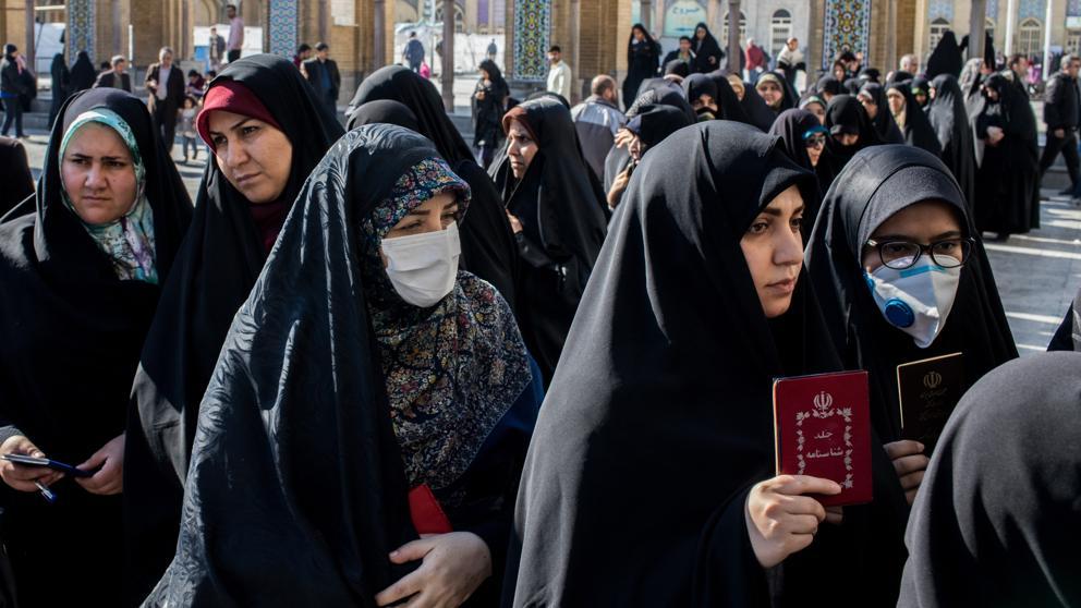 Photo of Asciende a 54 el número de muertos por el coronavirus en Irán y a casi 1.000 los infectados