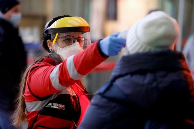 Photo of Italia supera los 9.000 muertos, con casi mil más en un solo día