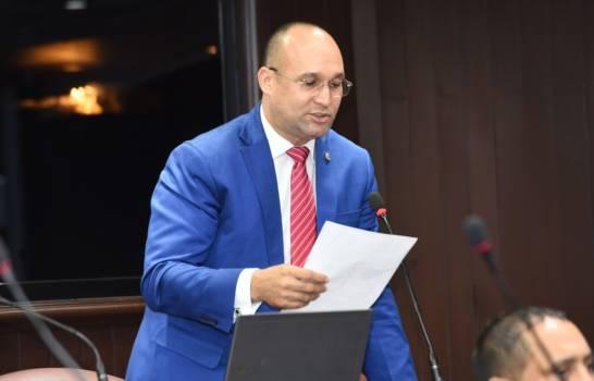 Photo of Diputado José Luis Rodríguez, dice gobierno debe tomar en cuenta a la clase política para detener la propagación del covi19