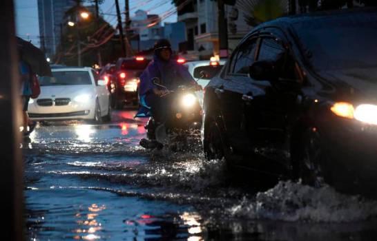 Photo of Mantienen alerta sobre diez provincias por posibles inundaciones
