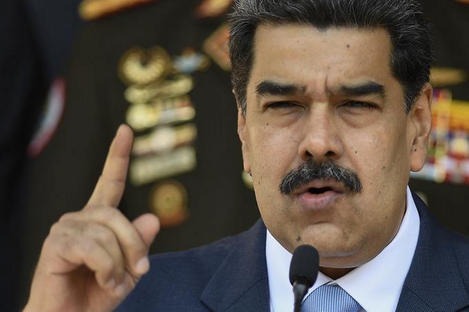 Photo of Maduro: EEUU y Colombia «se arrepentirán» si «tocan» a líderes chavistas