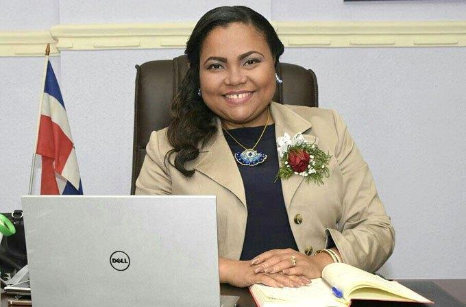 Photo of Directora Regional Educacion 07 llama a la población a quedarse en sus hogares y respetar medidas