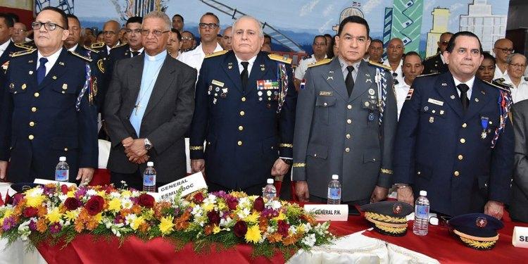 Photo of Bomberos celebran su día en medio de precariedades