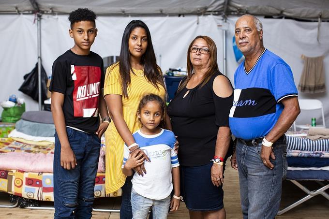 Photo of Meses después de los terremotos en Puerto Rico, miles siguen a la intemperie