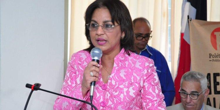 Photo of Miledys Nuñes felicita alcalde electo Siquio Ng