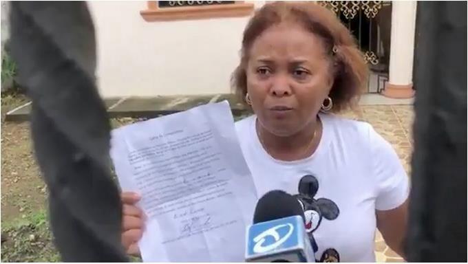 Photo of Señora con coronavirus dice fue trasladada por tomar alcohol en su casa en Villa Riva