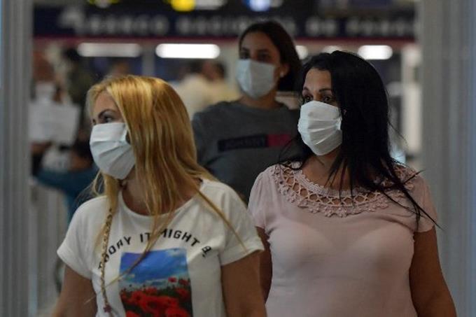Photo of Panamá prohíbe entrada de extranjeros, que suma 55 casos de COVID-19