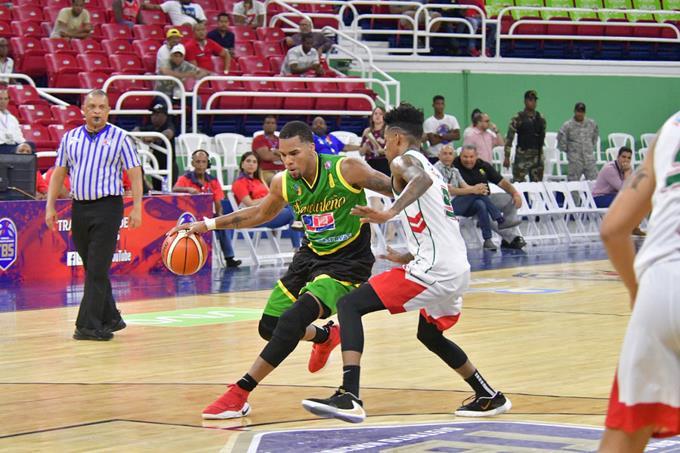 Photo of Pérez anota 24 y SC se pone en 3-0