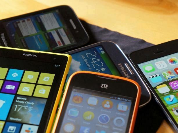 Photo of Colombia dice que hay más muertes por el robo de teléfonos móviles que por defender DDHH