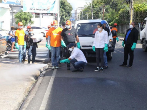 "Photo of Alcalde a violadores toque de queda: ""Chance es desinfectando Santiago"""