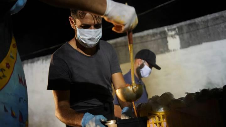 Photo of Temor por hambre marca inicio de segundo mes de combate a COVID-19 en América