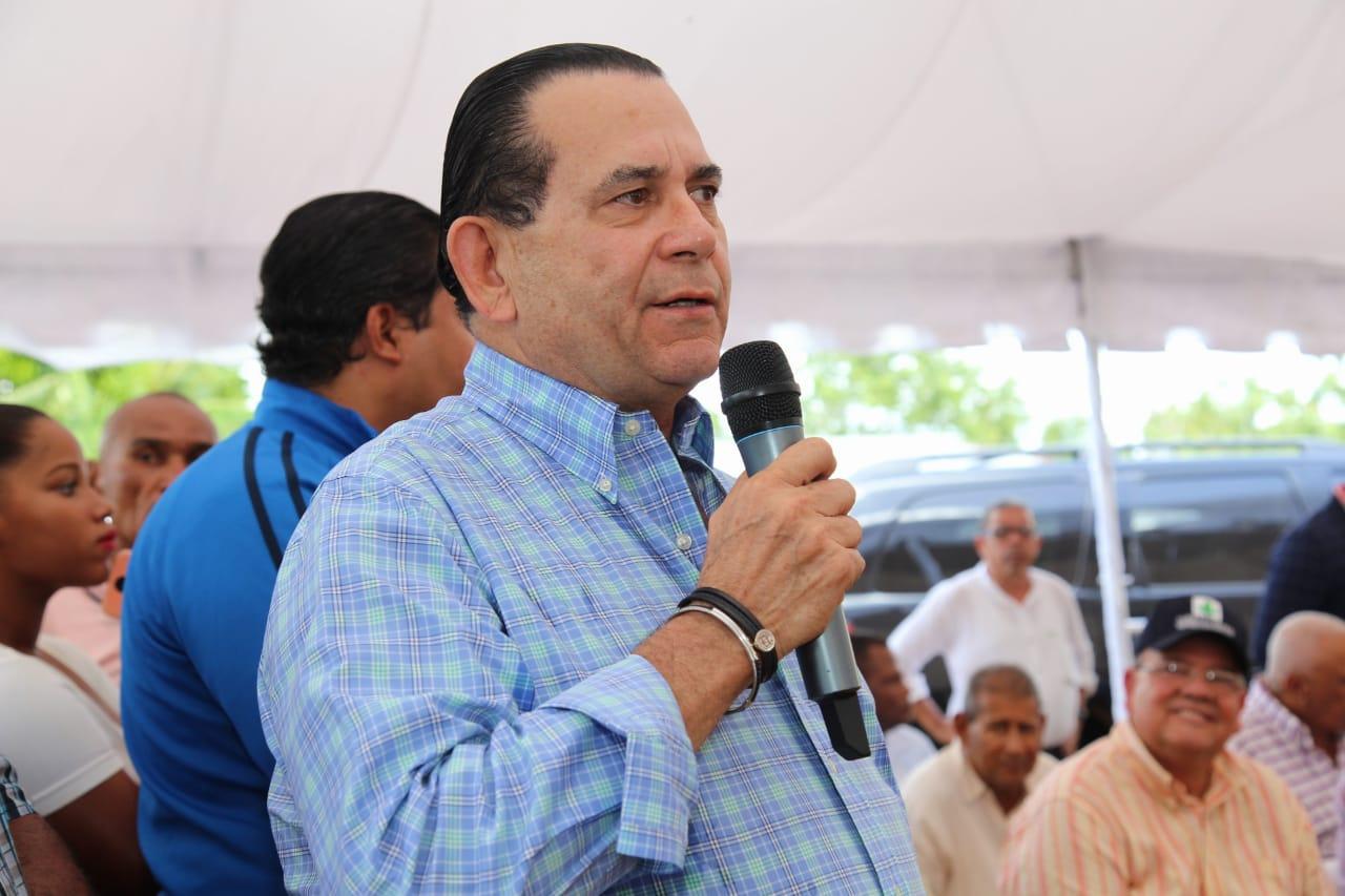 Photo of Empresas suplidoras de productos comenzarán a despachar mercancías a SFM por gestiones del senador Amílcar