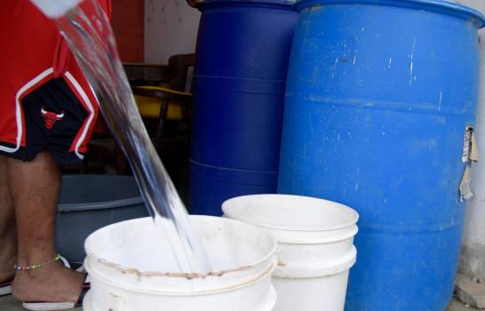 Photo of Escasez de agua en Santiago en medio de crisis sanitaria