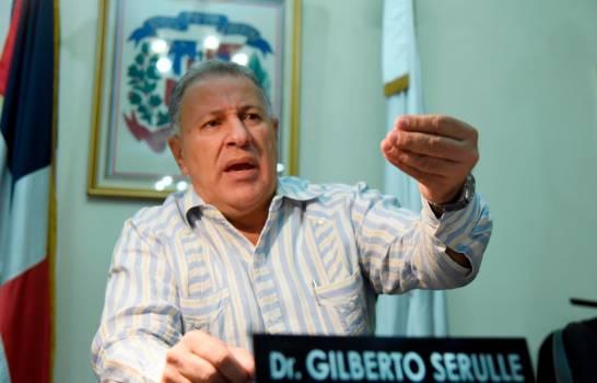 Photo of Hospitalizan aquejado de pulmonía al exalcalde Gilberto Serulle