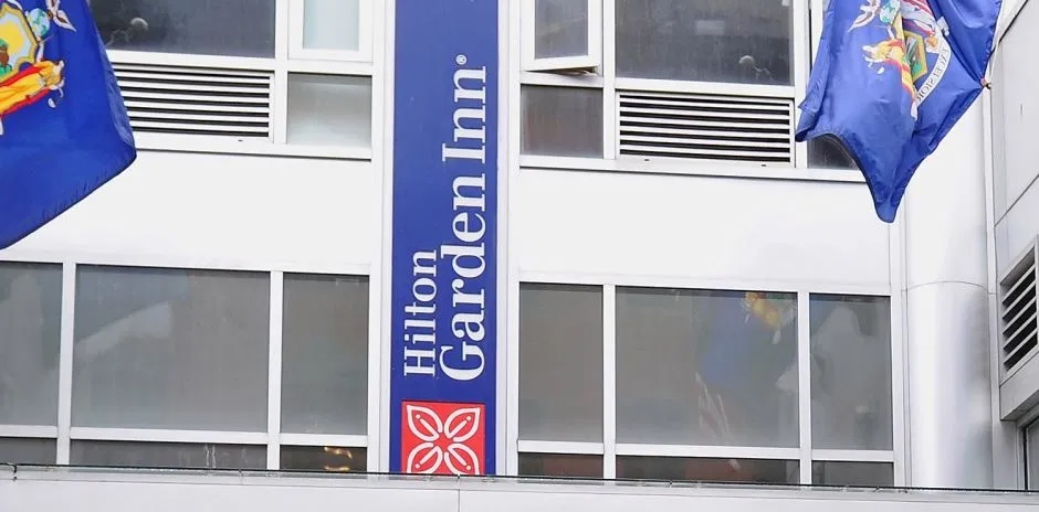 Photo of Hallan muertos en hotel 3 hombres salieron de hospital por coronavirus
