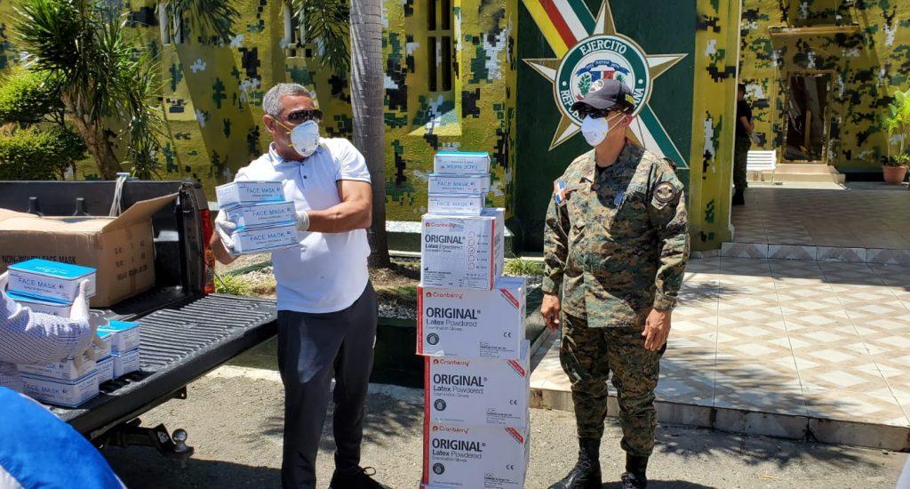 Photo of PRM entrega 10 mil mascarillas y otros equipos de protección en SFM para enfrentar Covid19