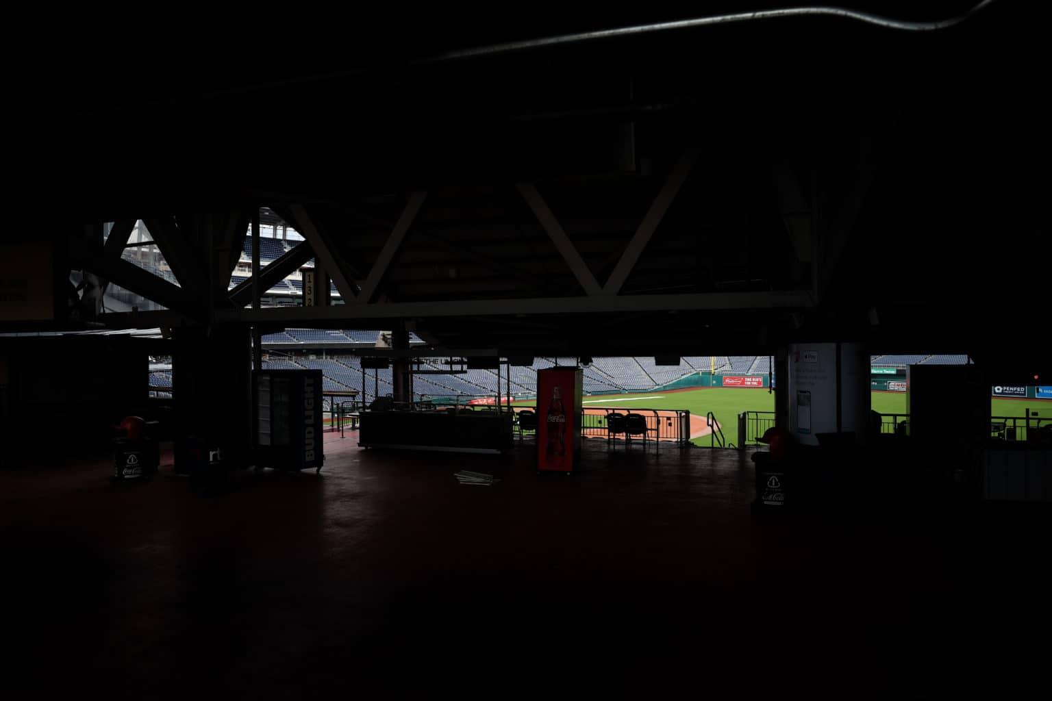 Photo of La MLB analiza iniciar temporada en sedes de entrenamiento y sin público