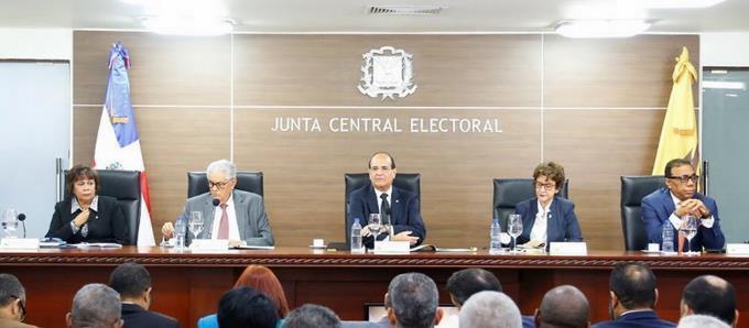Photo of Pleno JCE se reunirá con varios sectores para planear logística de elecciones presidenciales