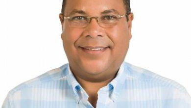 Photo of Alcalde de Puerto Plata, Roquelito García, dice pondrá a la venta 'yipeta de lujo' alardeada en video
