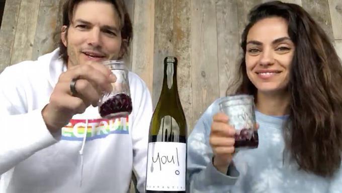 Photo of Ashton Kutcher y Mila Kunis lanzan un vino benéfico para la cuarentena