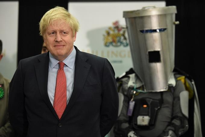 Photo of Boris Johnson «continúa mejorando» en cuidados intensivos, según Downing Stret