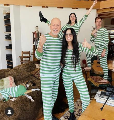 Photo of Bruce Willis y Demi Moore pasan la cuarentena en familia