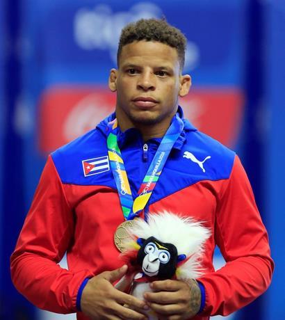 Photo of Campeón olímpico de lucha cubano Ismael Borrero vence al coronavirus