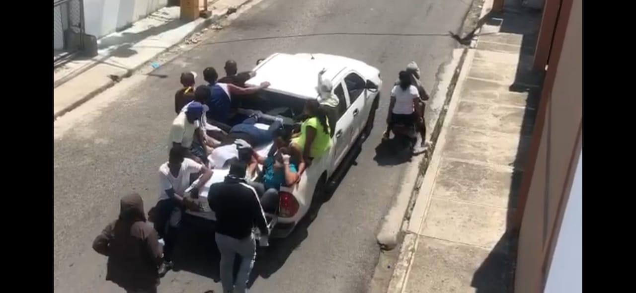 Photo of VÍDEO.- Con un gran cumulo de personas sepultan comerciante SFM