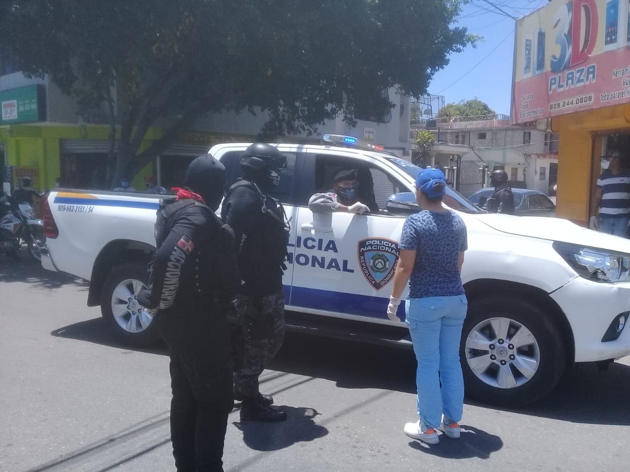 Photo of General Rosado Vicioso recorre calles de SFM vigilando se cumplan medidas
