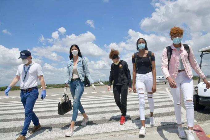 Photo of Llegan atletas estaban varadas en el extranjero