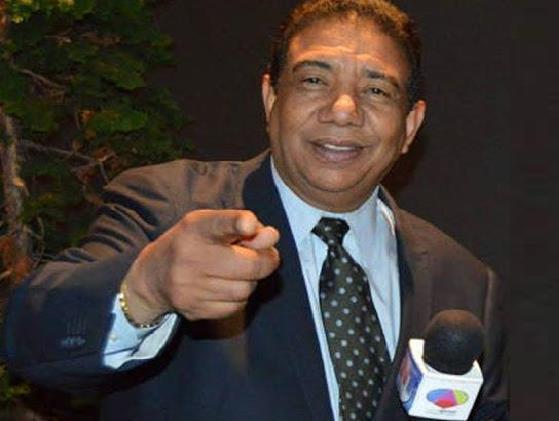 Photo of Reportero Manuel Ruíz entre la vida y la muerte en NY por COVID-19