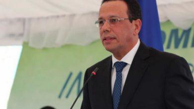 Photo of Ministro dice revisan Ley de Educación para dirimir conflictos entre colegios y padres