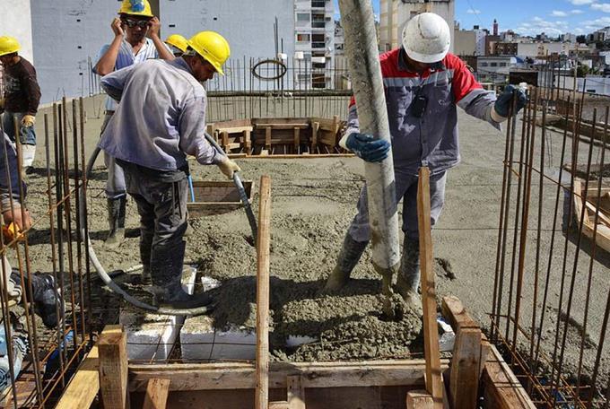 Photo of Obreros de la construcción quedan fuera ayuda Gobierno