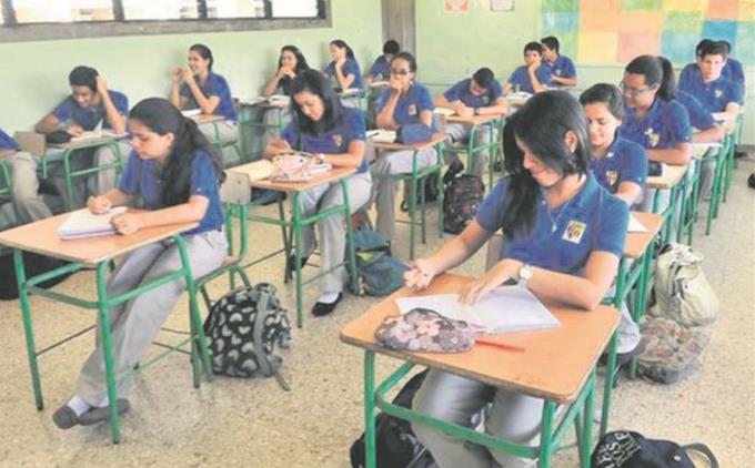 Photo of Padres exigen reduzcan el pago de colegiatura por la incidencia del coronavirus