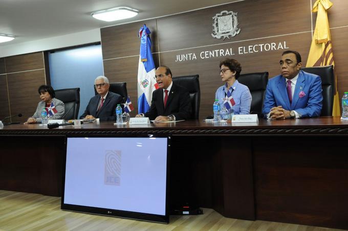 Photo of Primera vez en medio siglo aplazan las presidenciales