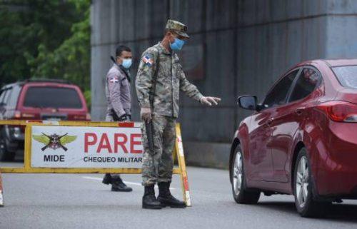 Photo of Retenes con policiales y militares controlan entradas ciudad de Santiago