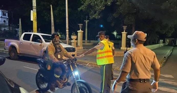 Photo of Extienden 15 días el toque de queda; violadores recogerían basura en calles
