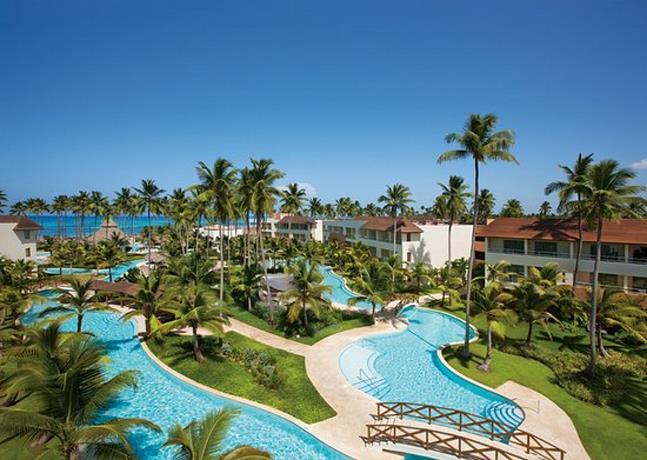 Photo of Trece hoteles permanecen abiertos en lugares turísticos de República Dominicana