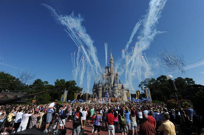 Photo of Unos 43.000 empleados de Disney World son suspendidos sin sueldo en Orlando