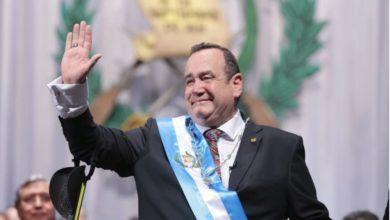 Photo of Guatemala inicia reapertura tras confinamiento por COVID-19