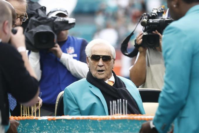 Photo of Don Shula, el entrenador con más victorias de la NFL, muere a los 90 años