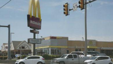 Photo of Tiroteo por medidas de COVID en McDonald's deja 3 heridos