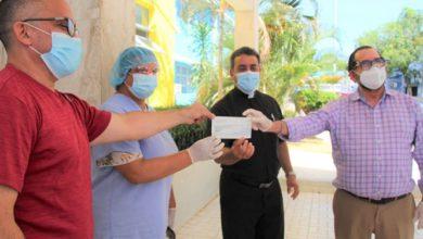 Photo of Funcionarios de salud publica y el consejo económico y social reciben aportes para desinfección del San Vicente de Paúl