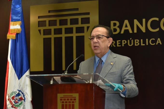 Photo of Gobernador del Banco Central se opone al retiro de hasta un 30% de los fondos de pensiones