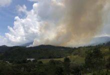 Photo of Se registra incendio en comunidad La Pelada, en Constanza; humareda llega al centro de la ciudad