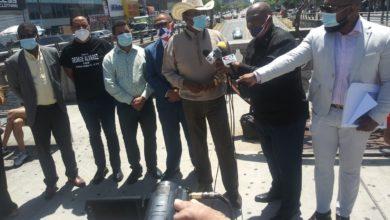 Photo of Empresarios hispanos piden ayuda para dueños negocios saqueados