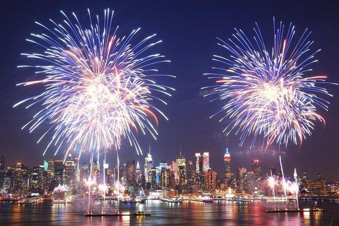 Photo of La Ciudad de Nueva York vive entre el coronavirus y fuegos artificiales