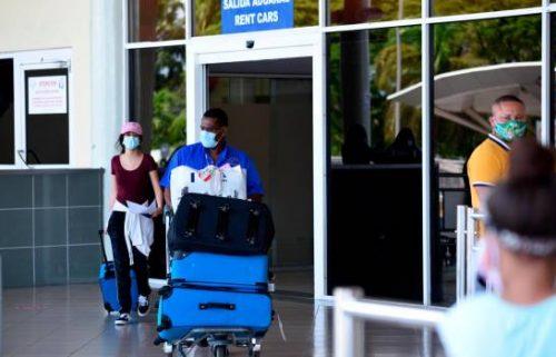 Photo of Aeropuerto del Cibao recibe vuelo humanitario con 112 dominicanos