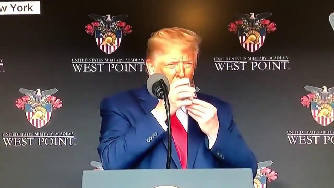Photo of Dificultad para beber agua pone en cuestionamiento el estado de salud de Donald Trump